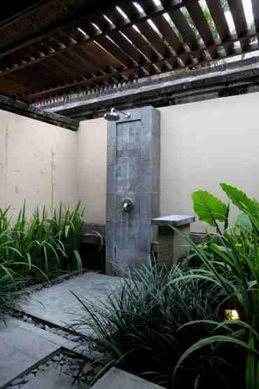 The partially indoor outdoor shower